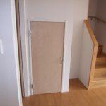階段下収納、階段